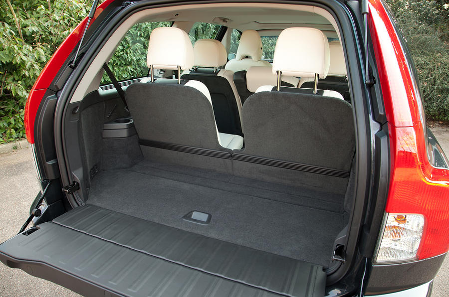 Volvo XC90 boot space